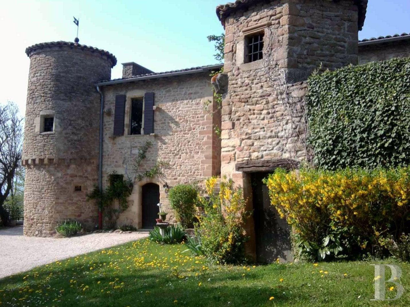 castles - 18 you can live in - bob vila