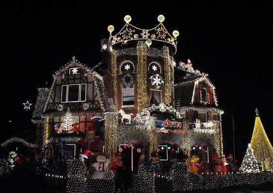 Dominic luberto christmas house