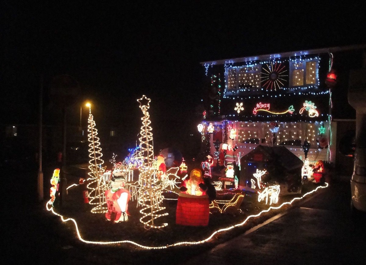 Newport furrlongs bottom house christmas decorations 2010