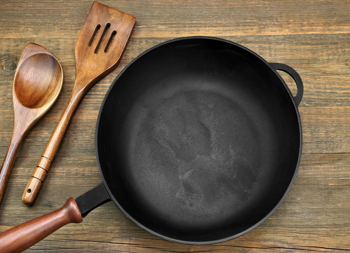 Cast iron pan
