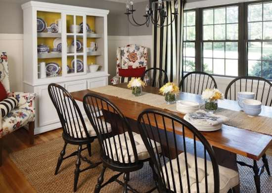 Cottage-Style Dining Room