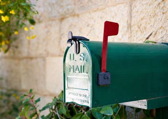 DIY Painted Mailbox