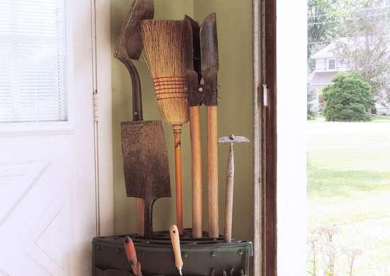 Stalwart-corner-tool-rack-with-storage-bag-82-vy034