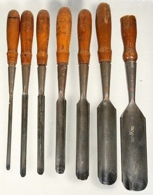 Thebestthings-buck_brothers-socket-gouges-chisels-antique-tools-bob-vila20111123-36322-8vr72s-0