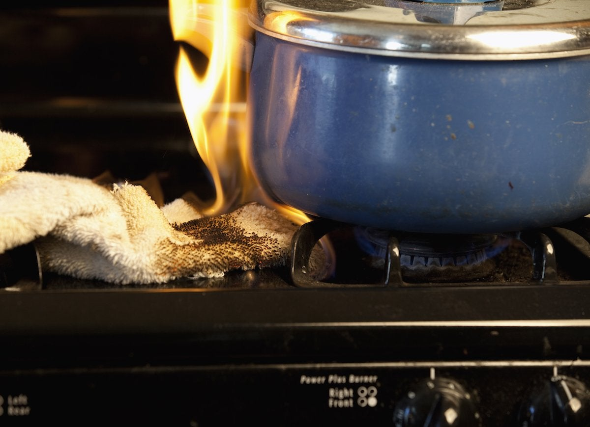 How-to-put-out-a-grease-fire