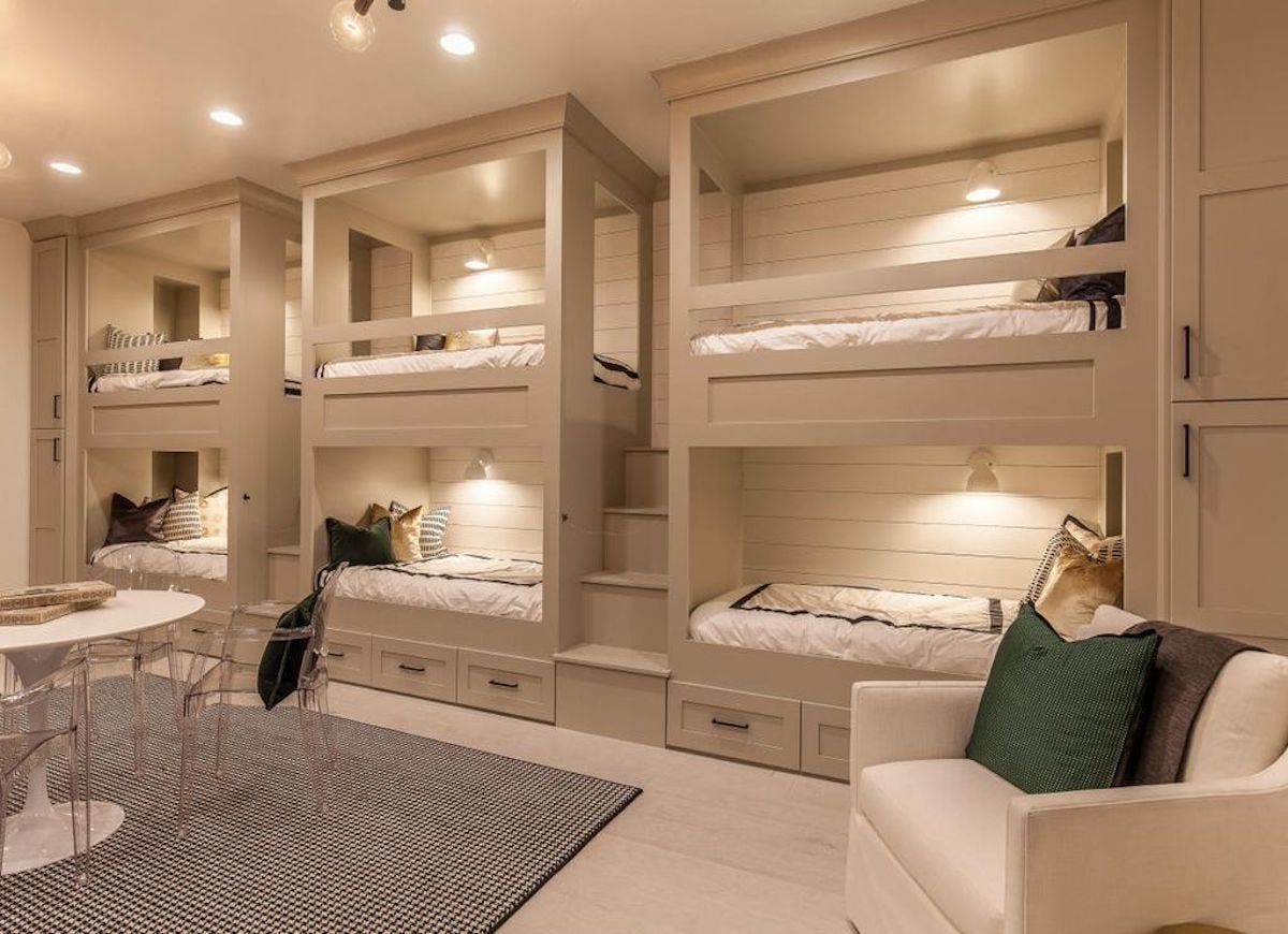 Beige bedroom with bunk beds beige paint 19 beautiful for Room design and paint