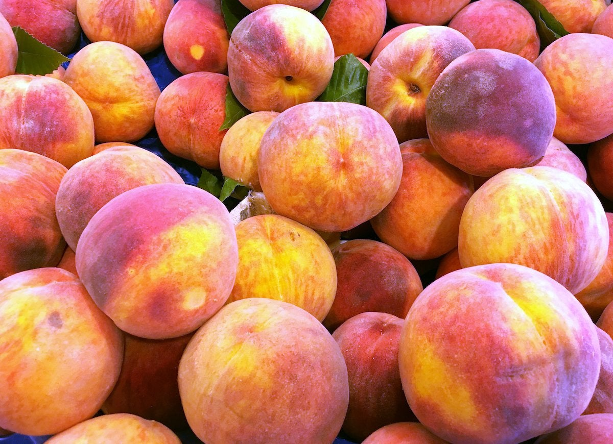 Fresh-peaches-590054584_2003x1502