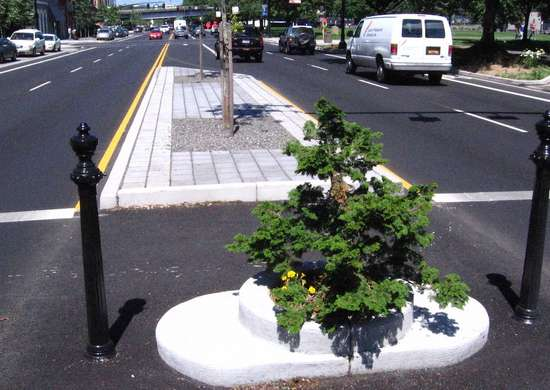 World's Smallest Park (Mills End Park) - Portland, Oregon