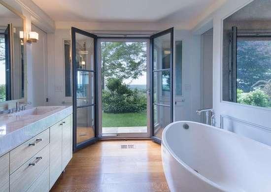French door bathroom