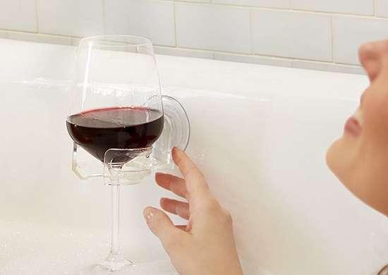 Wine glass holder bathtub