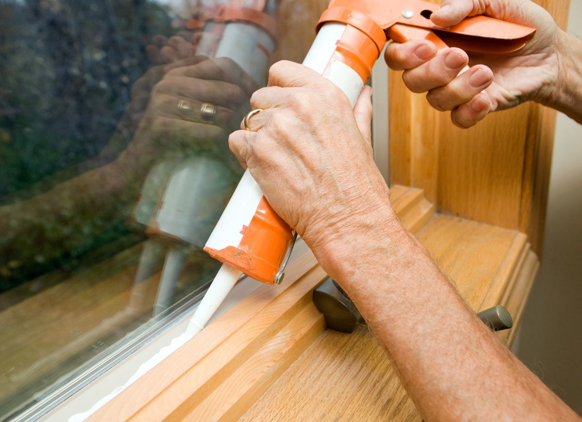 Caulk window