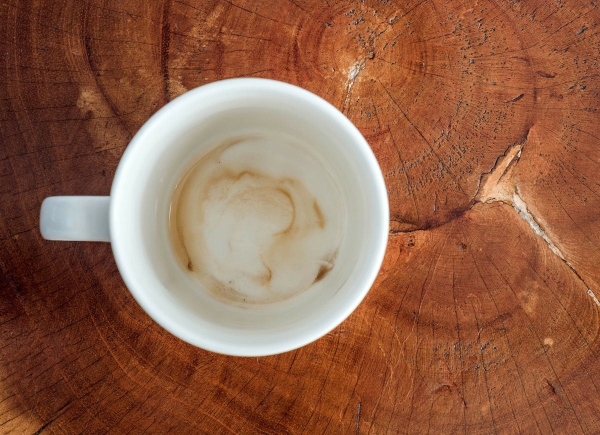 how to clean coffee stains on mugs