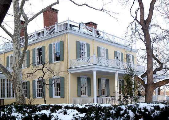 Gracie mansion snow jeh