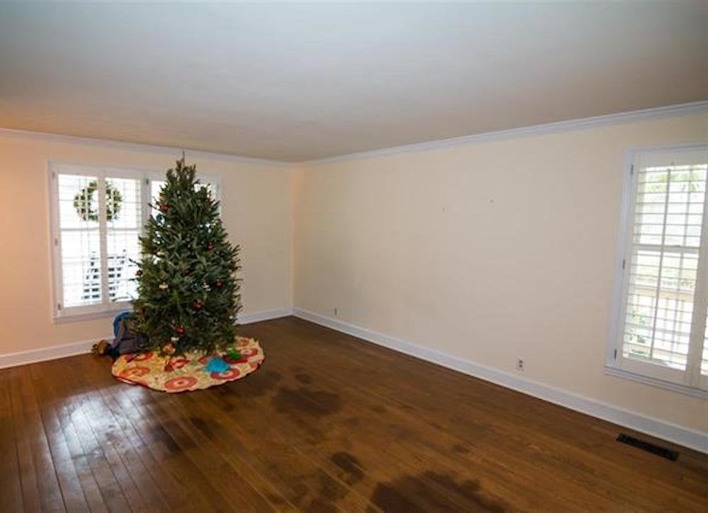 Christmas in july bad real estate photos