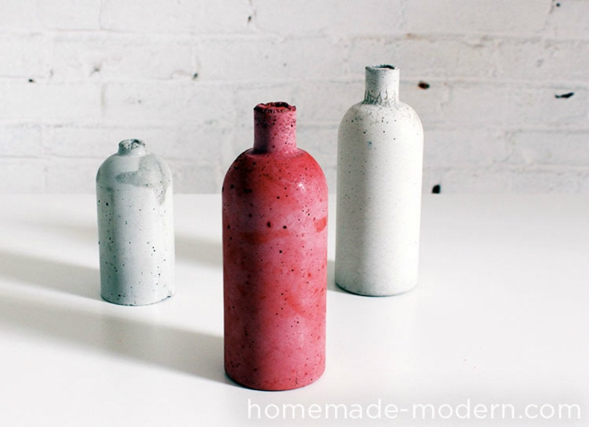 Coloring concrete with pigment