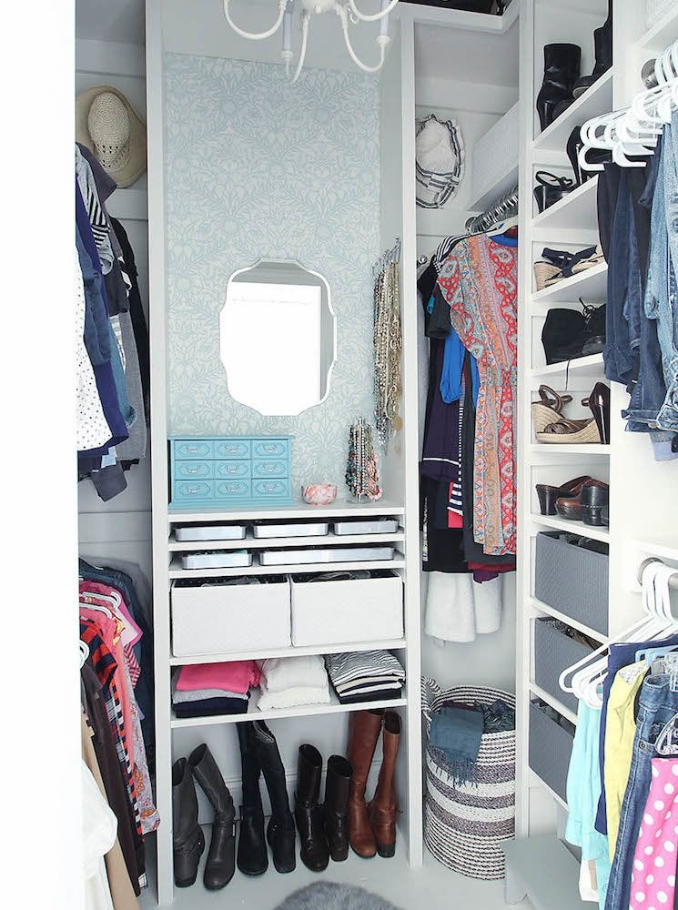 Closet dressing room