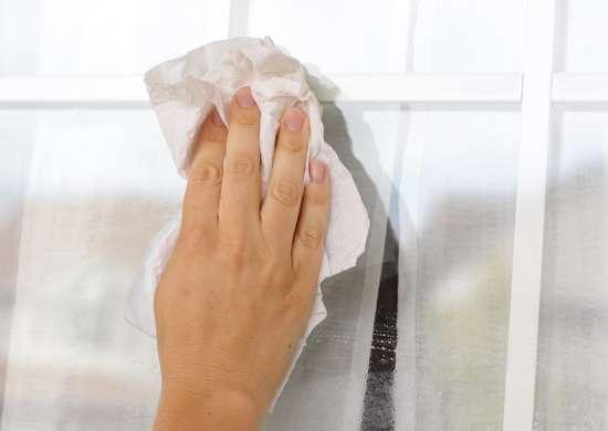Wiping windows
