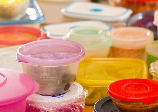 Plastic containters