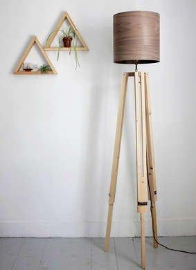 Merrythought tripod lamp