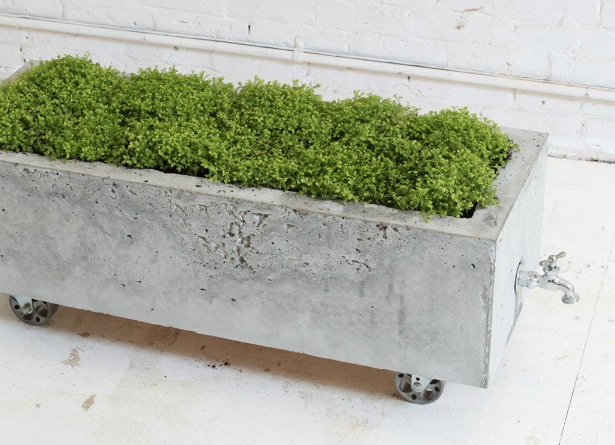 Concrete planter with quikrete