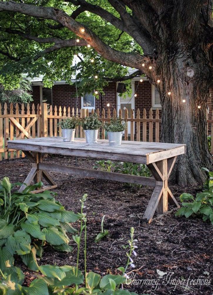 DIY Outdoor Pallet Table