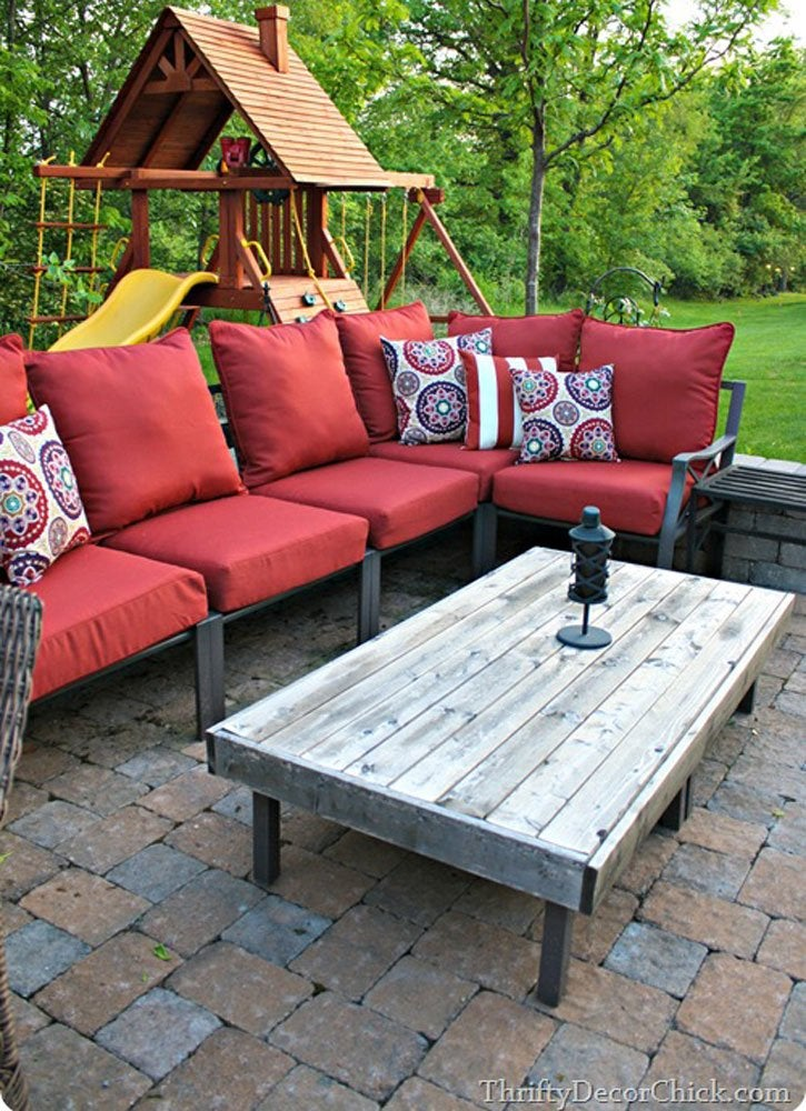 DIY Outdoor Ottoman Table