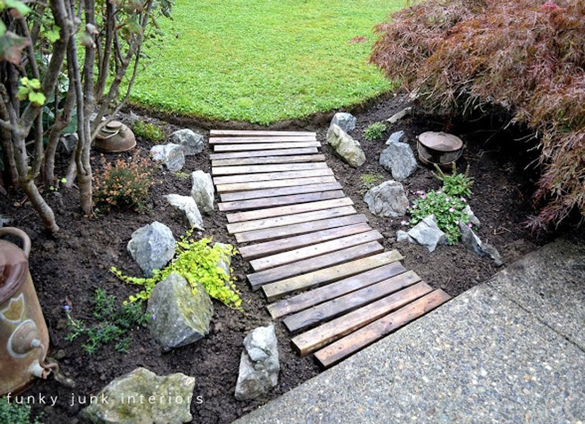 10 cheap landscaping ideas you can diy in a day bob vila cheap landscaping path solutioingenieria Image collections