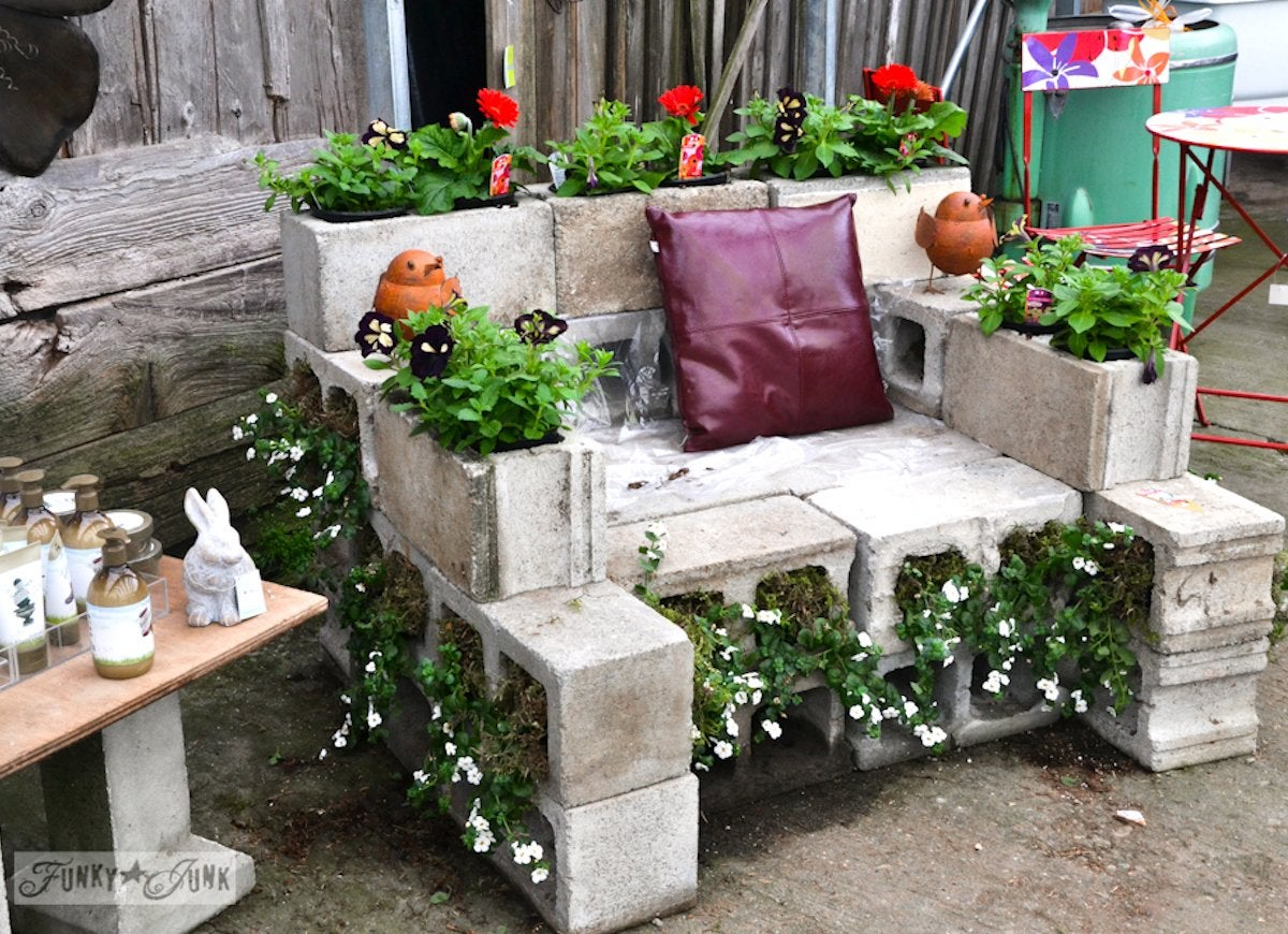 Diy patio furniture cinder blocks - Cinder Block Furniture 8 Easy Diy Ideas Bob Vila