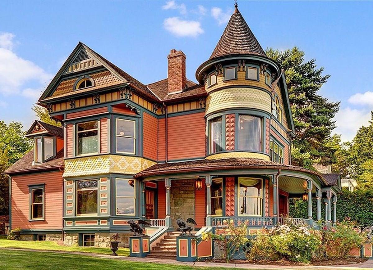 Colorful victorian