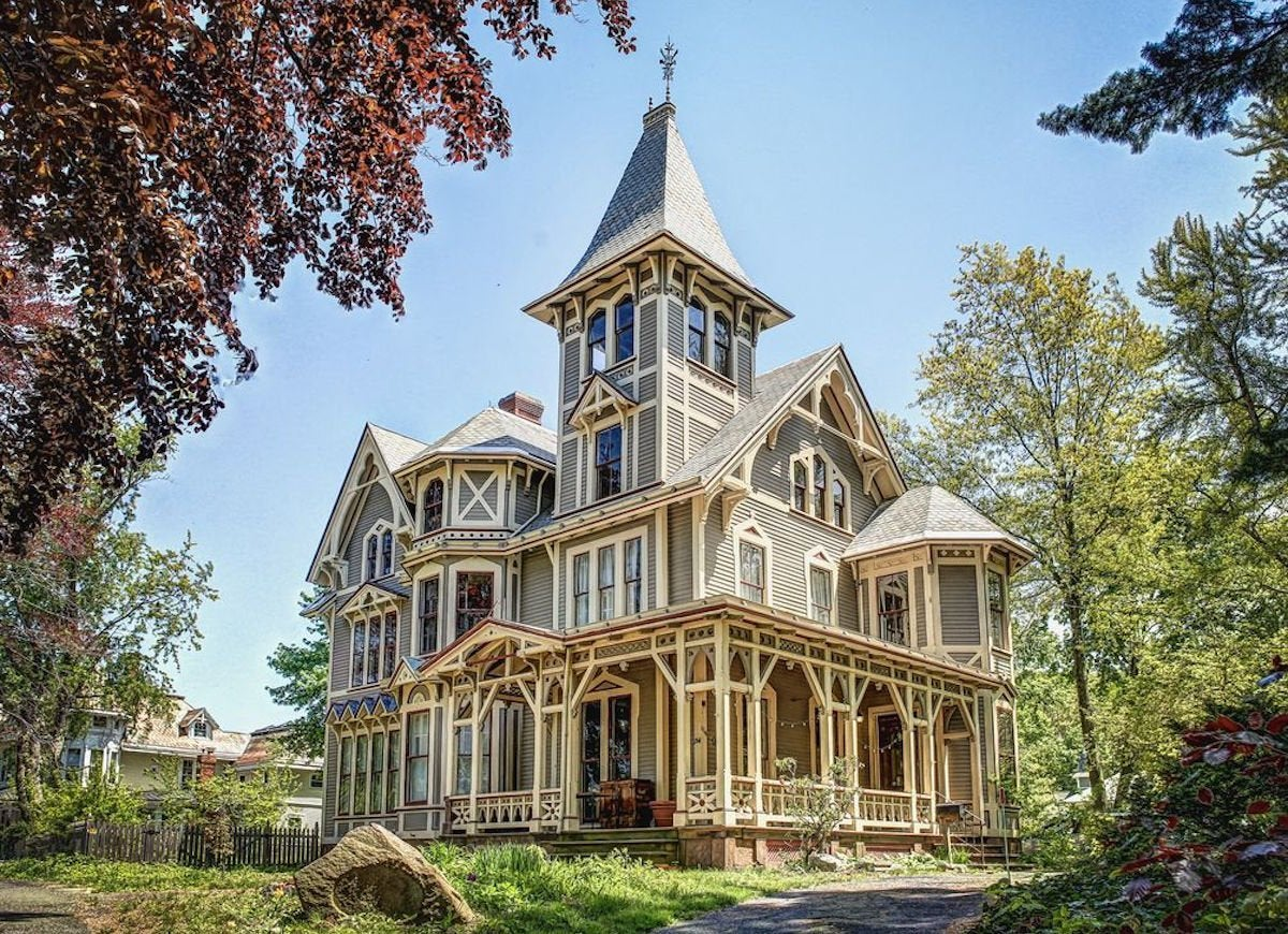 Pictures Of Victorian Homes