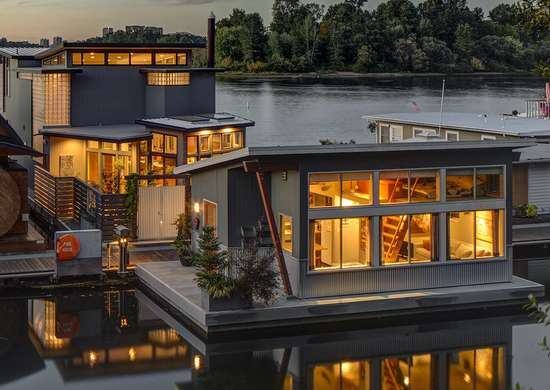 Willamette float house iv