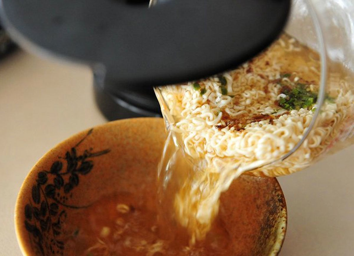Coffee pot ramen