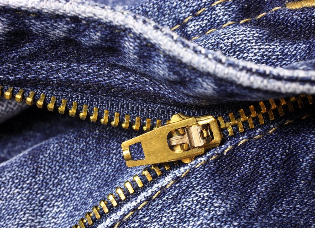 Zip jeans laundry
