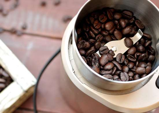 Clean Coffee Grinder With Rice