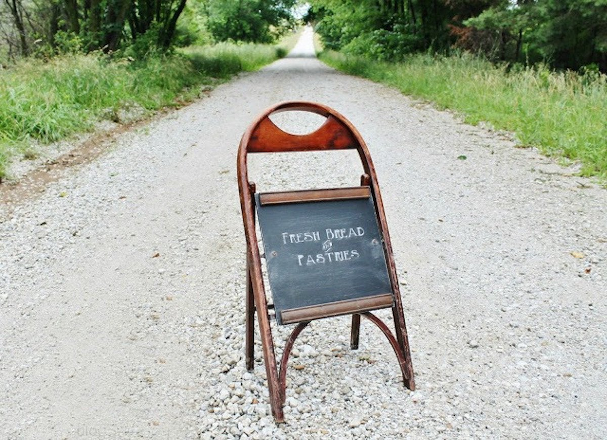 Folding chair chalkboard