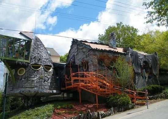 The Mushroom House In Cincinnati