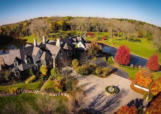 Mansion in Barrington Hills, IL