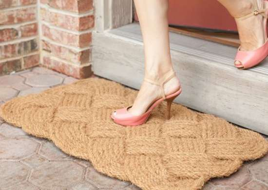 Knotted doormat
