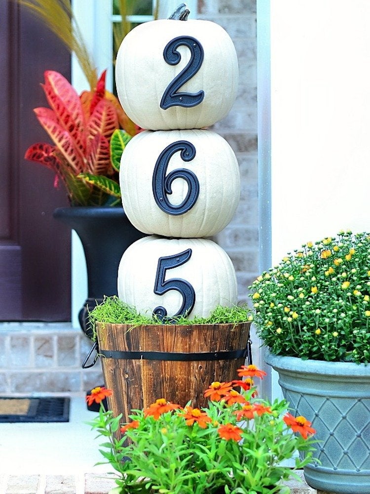 House numbers pumpkin topiary atthepicketfence