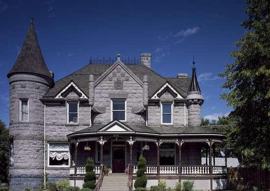 Standrod Mansion