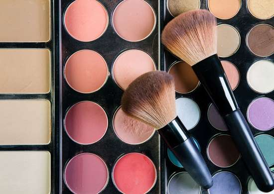 Should You Buy Makeup in Bulk?