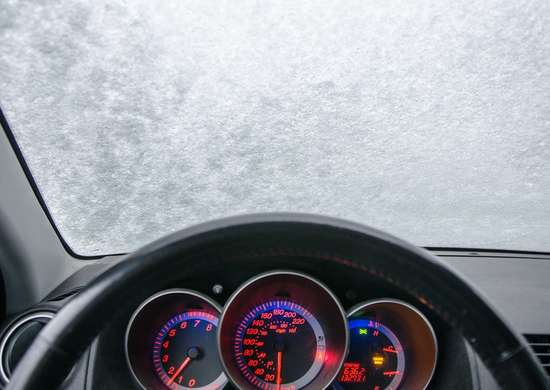 Don't Use Hot Water To De-Ice A Car Windshield
