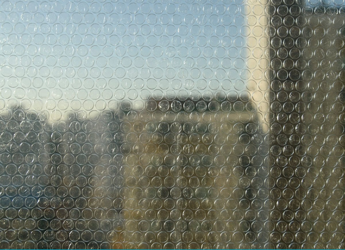 Bubble wrap window