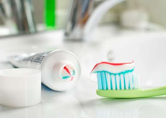 How to Squeeze Out Toothpaste with a Bobby Pin
