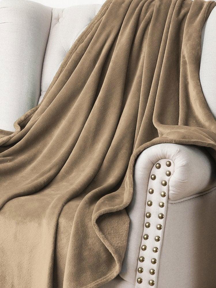 Blanket camel