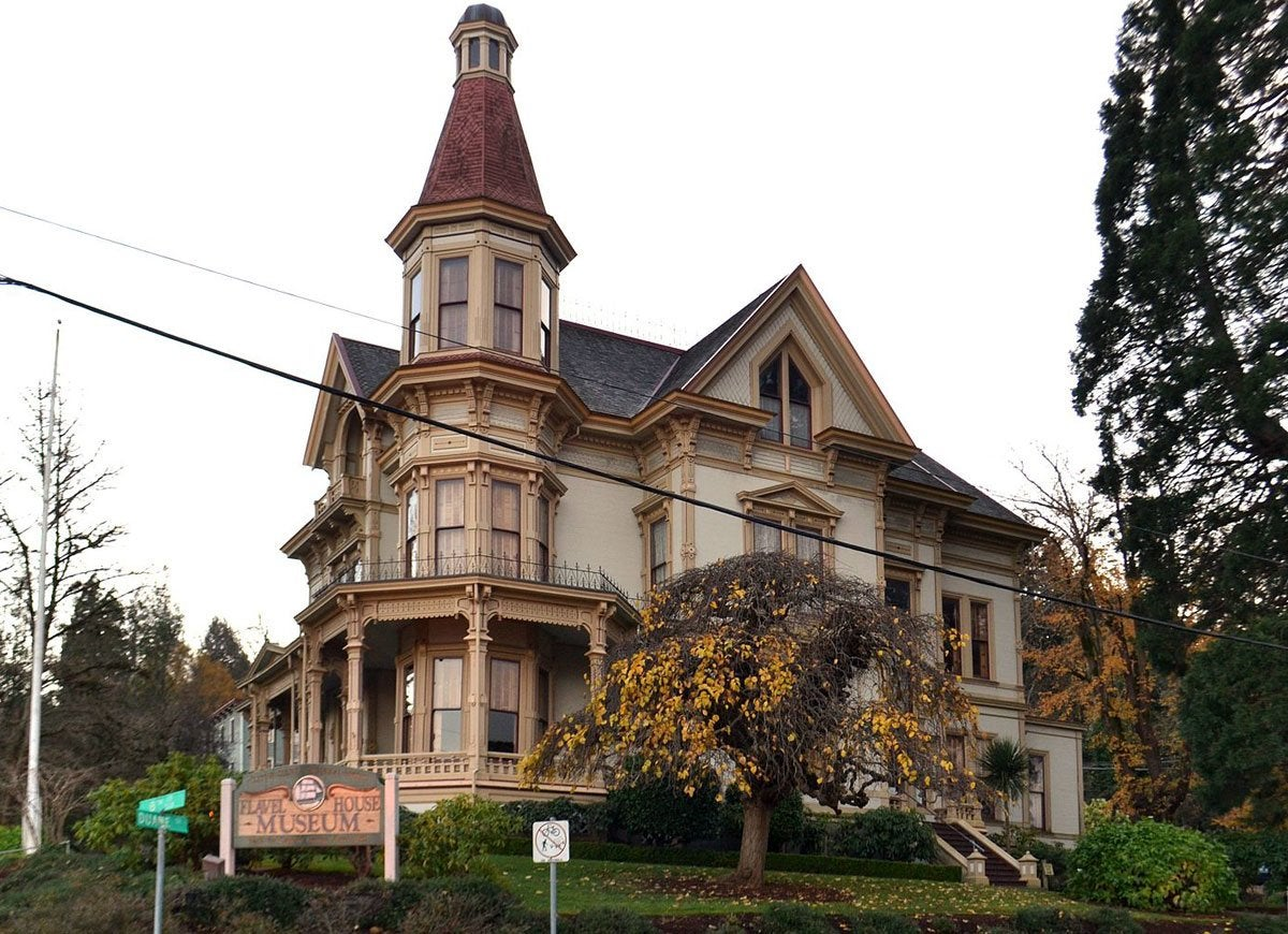 Infamous house oregon