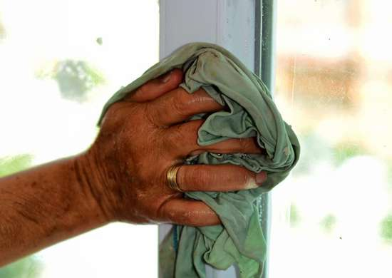 Cleaning Doors and Windows