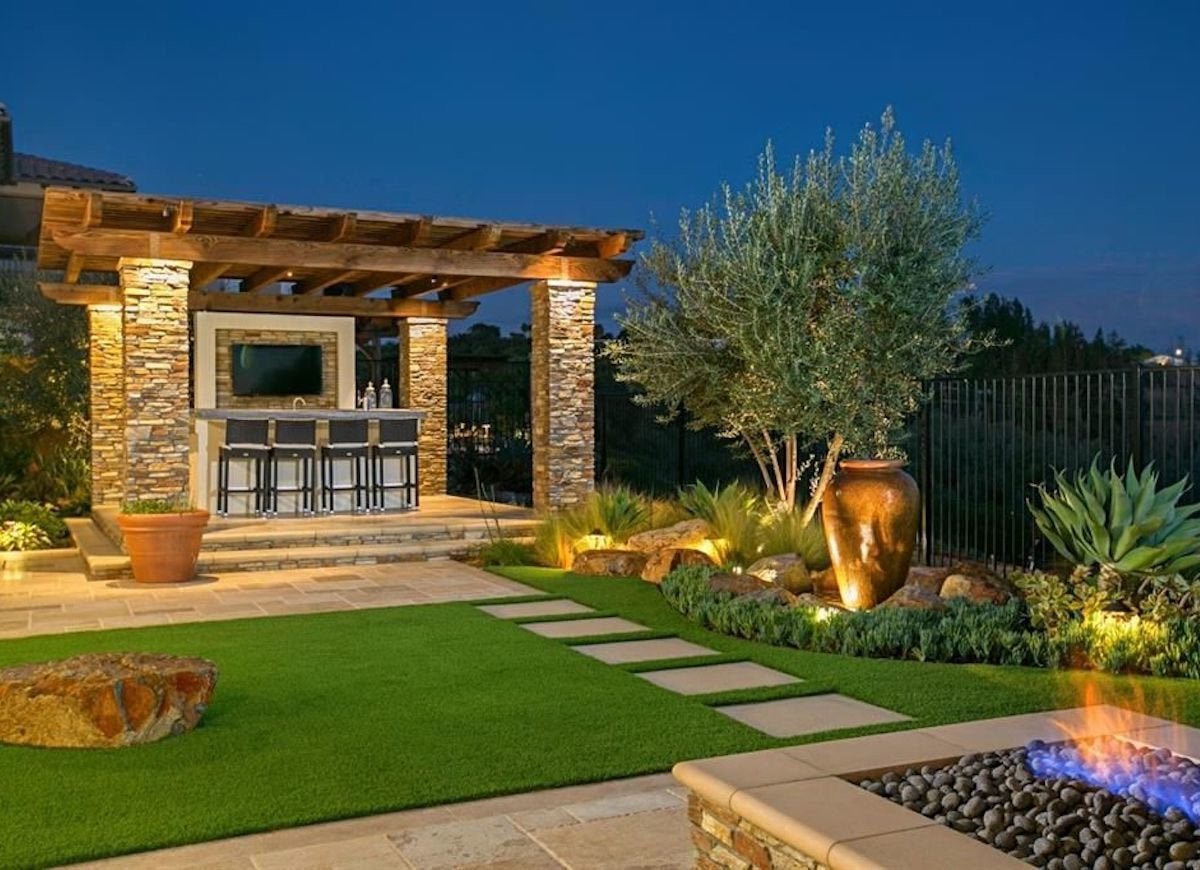Landscaping trends taking over the yards of america bob vila for Outdoor spaces landscaping