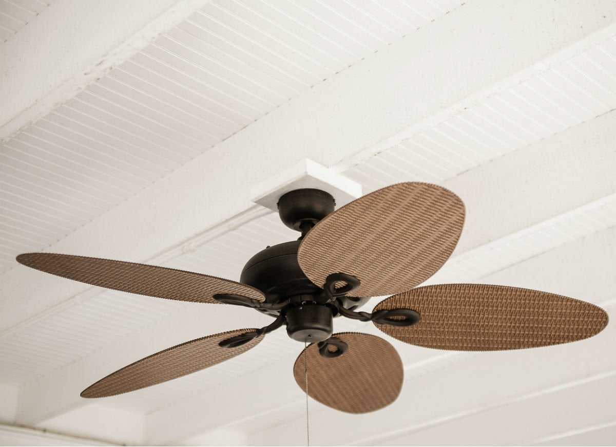 Clean dusty fans with pillowcase