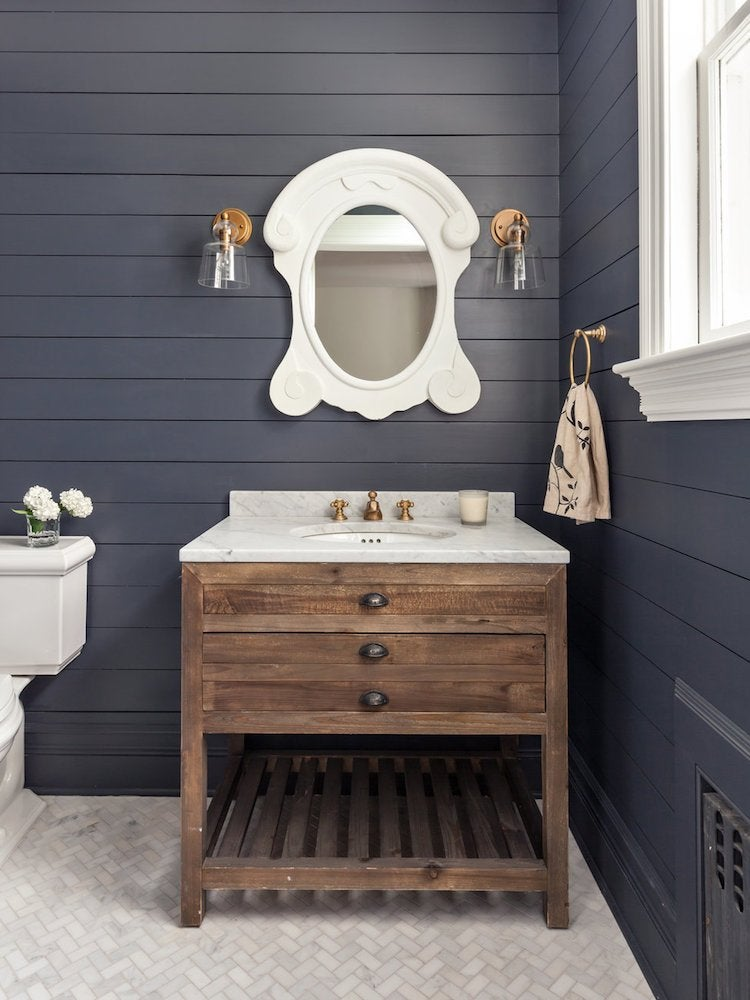 Shiplap black bathroom